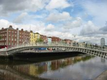 Dublin - Ha'penny Bridge over River Liffey