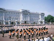 London - Chainging the Guard at Buckingham Palace