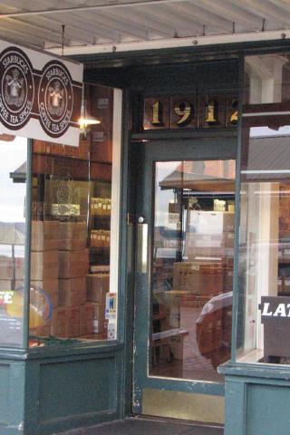 Best City Seattle Original Starbucks 320x480 Iphone Itouch Wallpaper 4