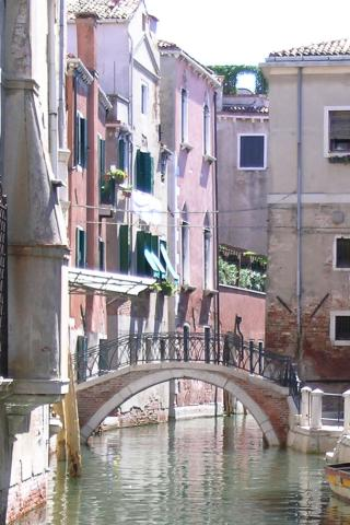 Venice - Street Scene Wallpaper #1 320 x 480 (iPhone/iTouch)