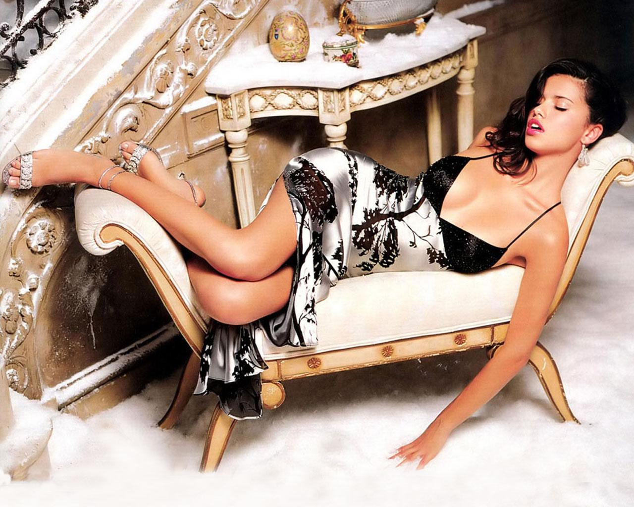 Adriana Lima -  Wallpaper #2 1280 x 1024