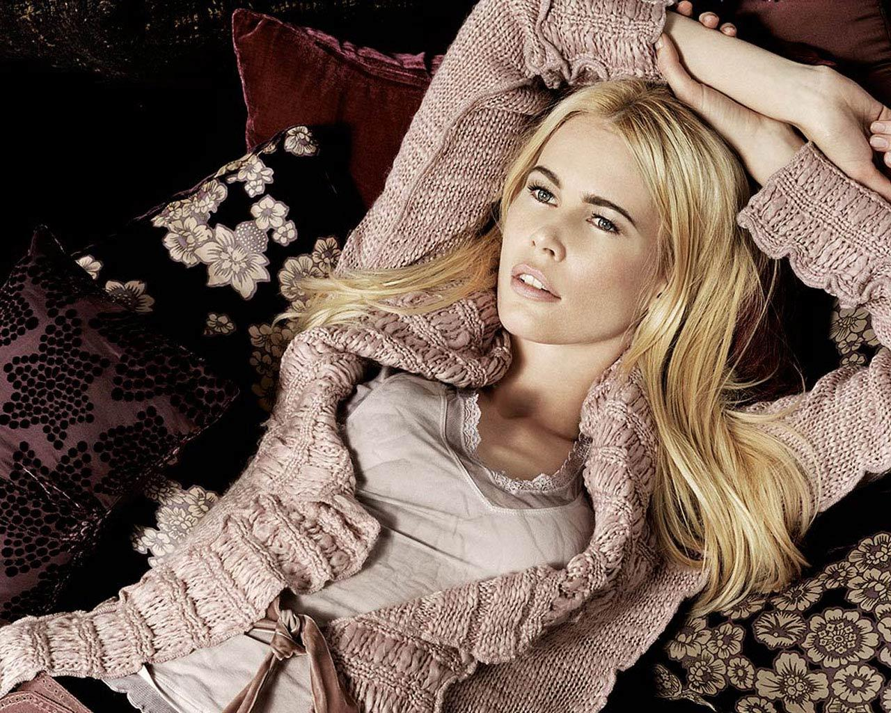 Claudia Schiffer -  Wallpaper #3 1280 x 1024