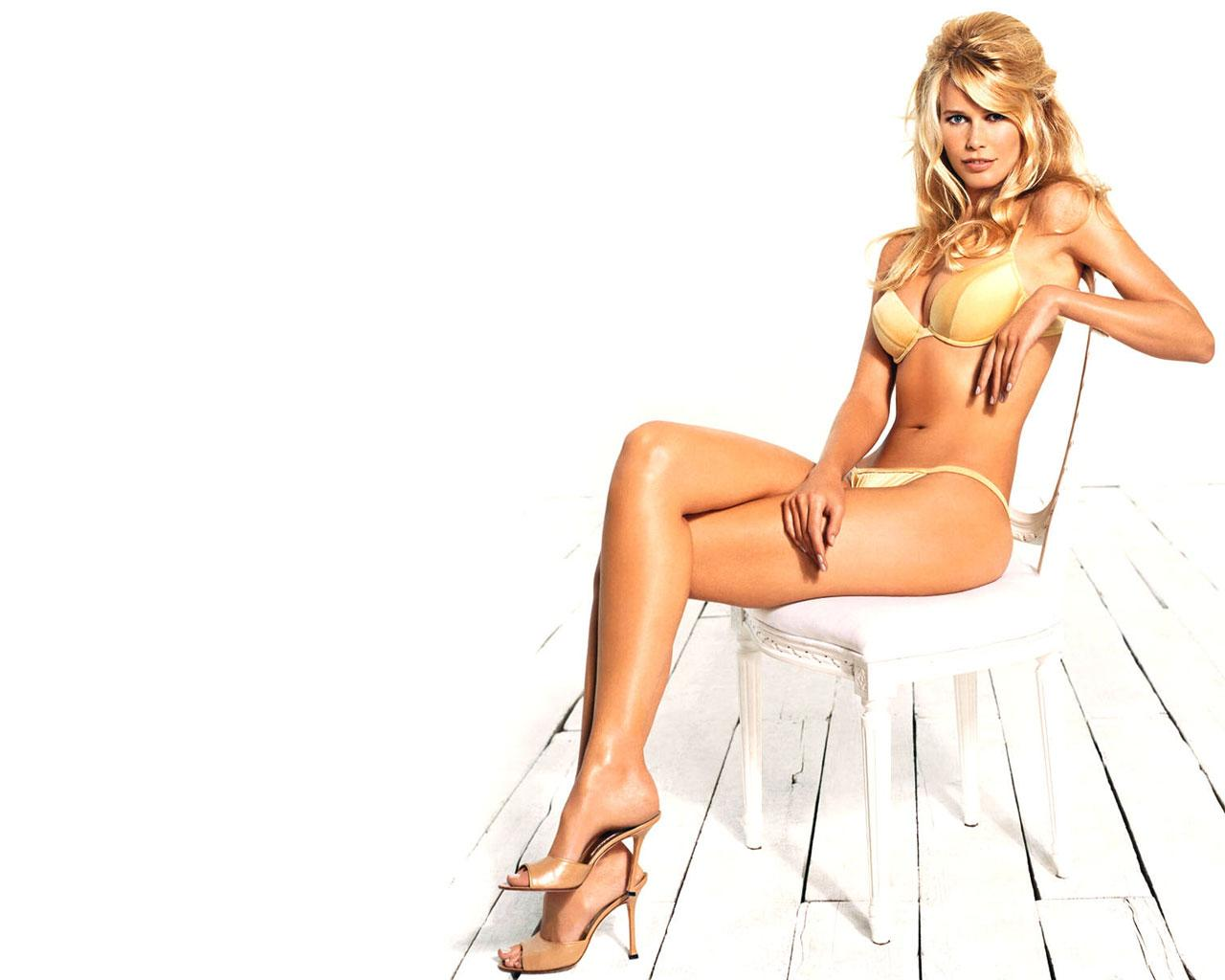 Best Women Best Looking Woman Claudia Schiffer 1280x1024
