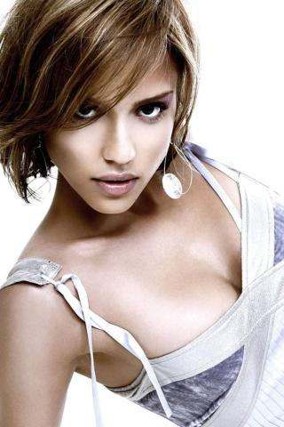 Jessica Alba -  Wallpaper #2 320 x 480 (iPhone/iTouch)