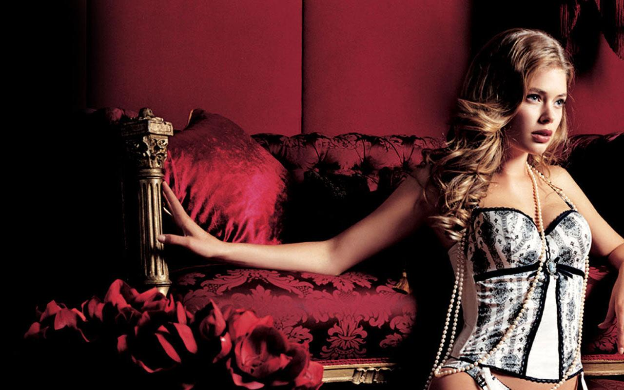 Doutzen Kroes - Wallpaper #1 1280 x 800.