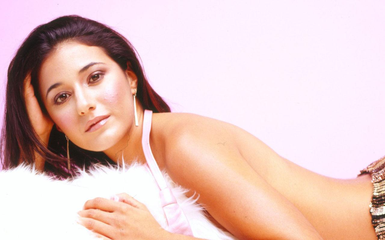 Emmanuelle Chriqui  Wallpaper #2 1280 x 800
