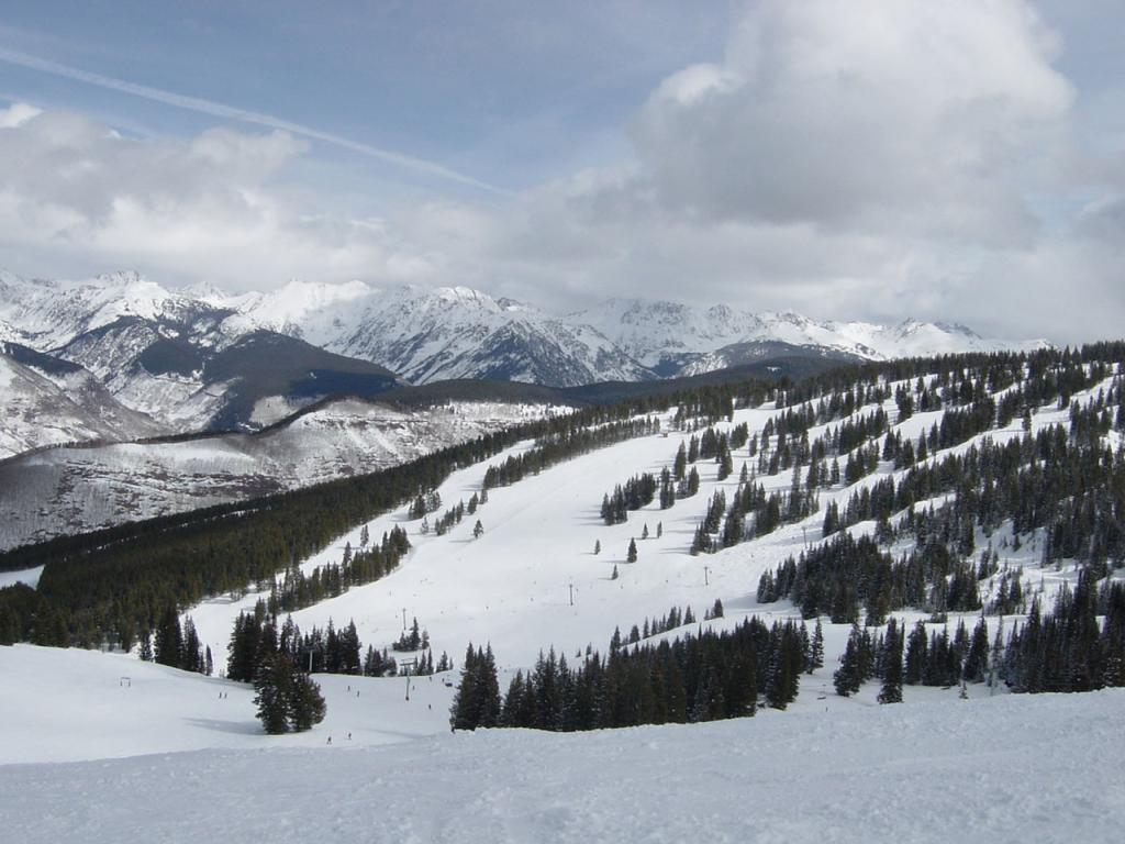 best ski resort - vail, colorado 1024x768 wallpaper #4